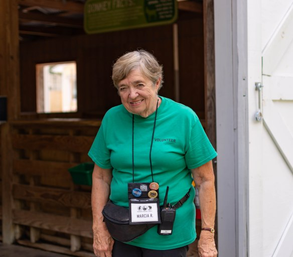 Marcia R Volunteer DSC_5440